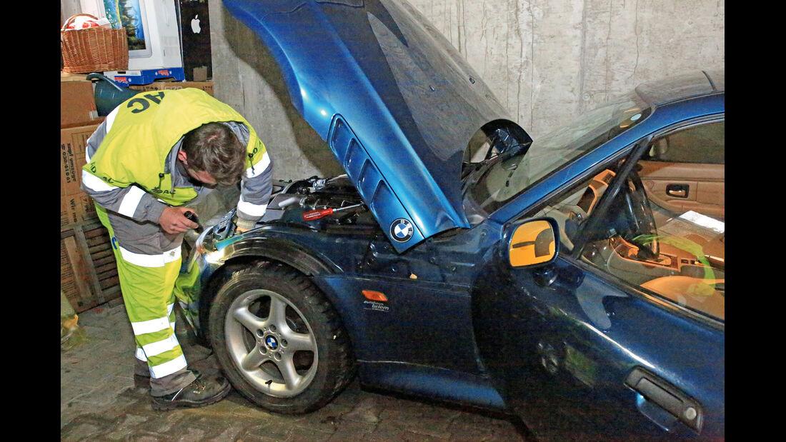 Pannenhilfe, BMW Z3, Motorhaube