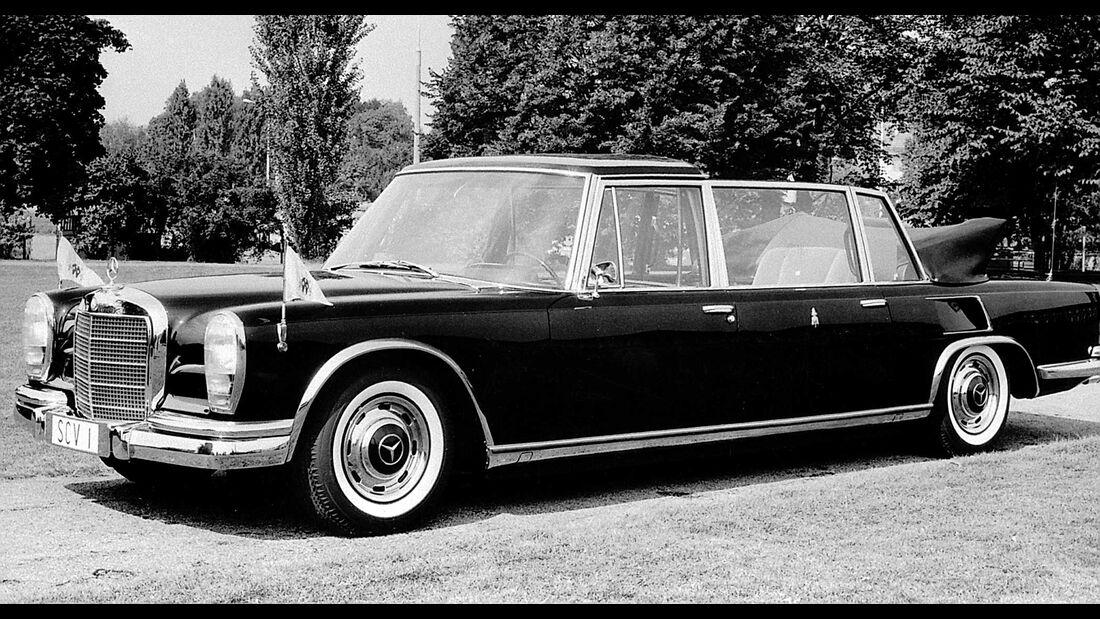 Papst im Mercedes 600