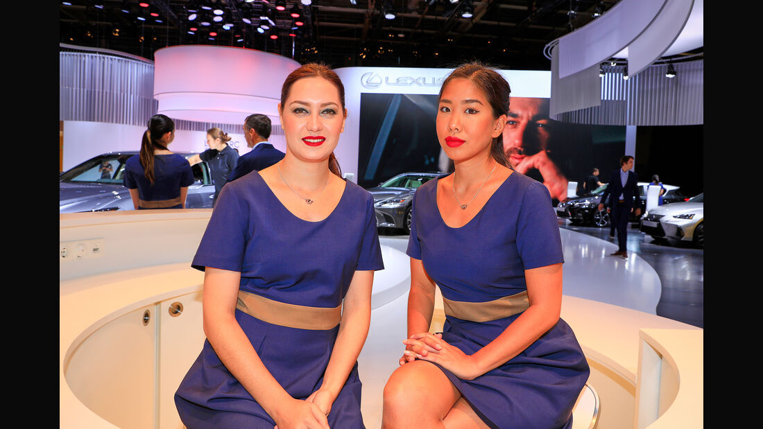Pariser Autosalon 2018, Messe-Hostessen