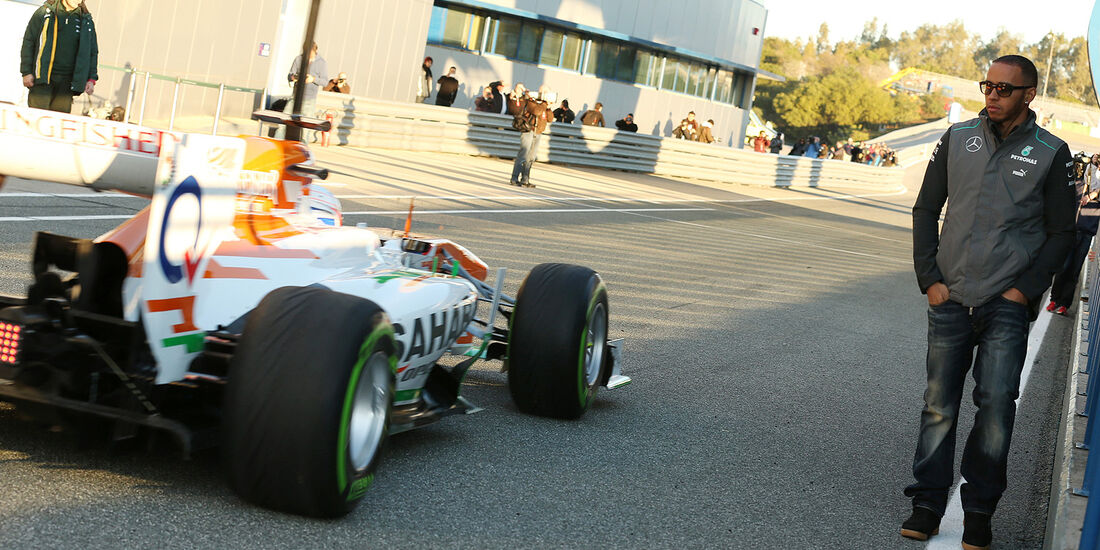 Paul di Resta, Force India, Lewis Hamilton, Mercedes GP, Formel 1-Test, Jerez, 5.2.2013