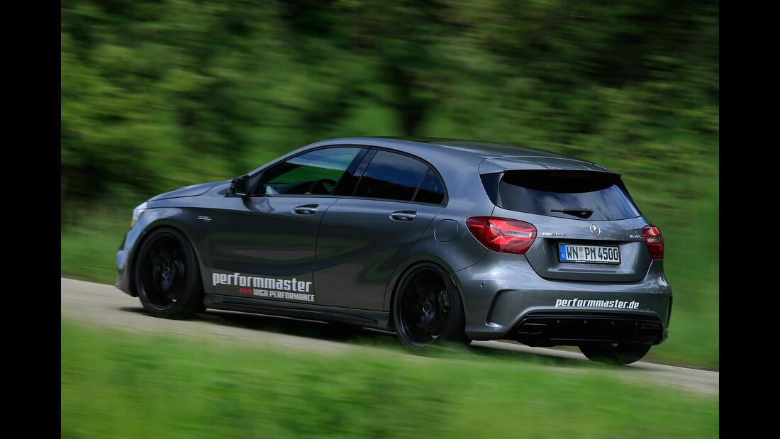 Performmaster-Mercedes-AMG A 45, Heckansicht