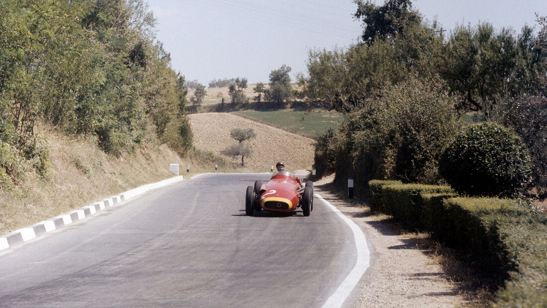 Pescara 1957 - Juan Manuel Fangio - Maserati 250F
