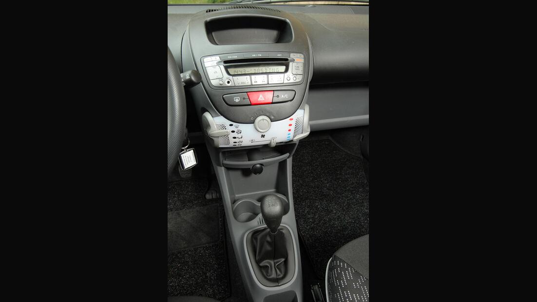 Peugeot 107 70 Urban Move, Mittelkonsole