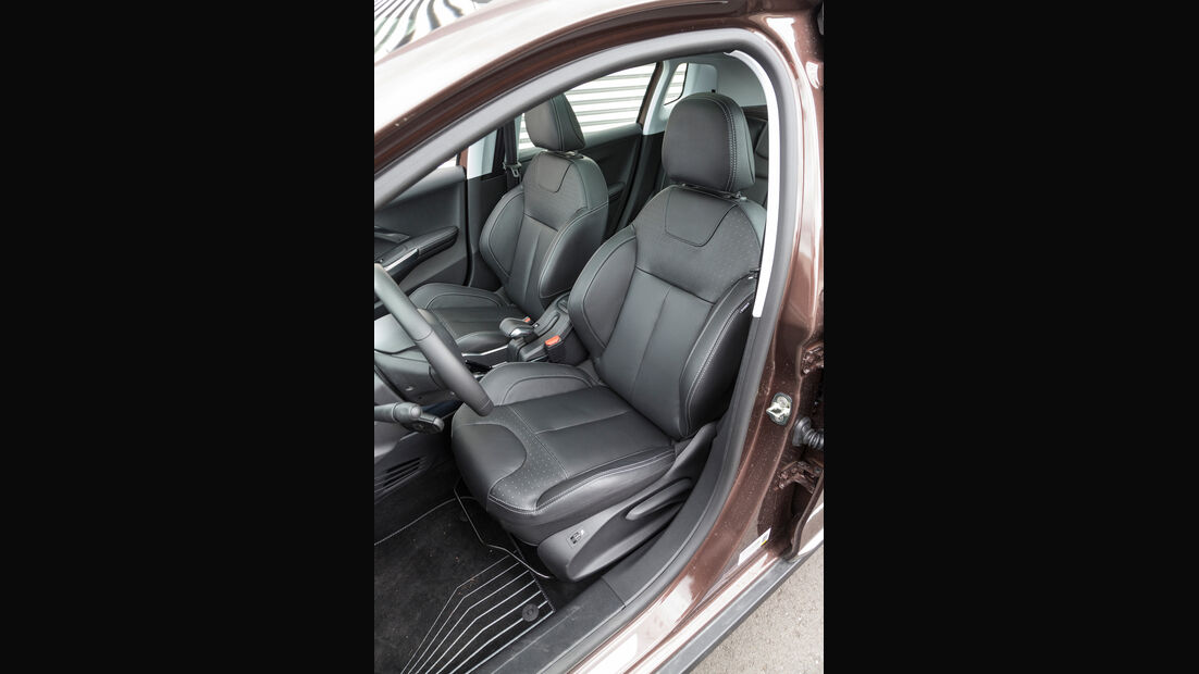 Peugeot 2008 120 Vti, Fahrersitz