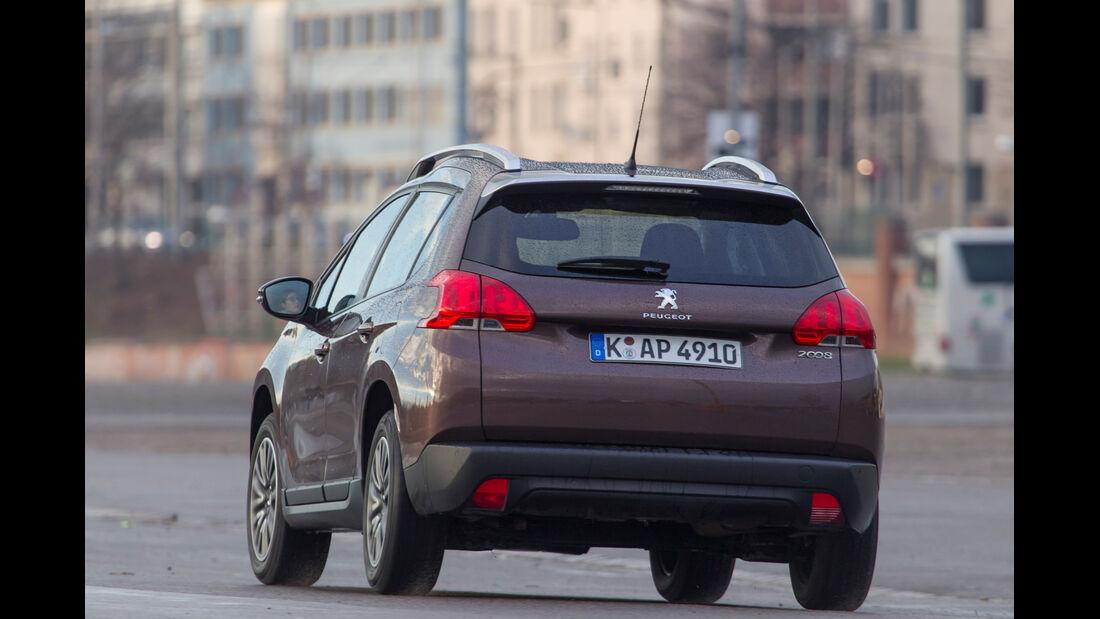 Peugeot 2008 82 VTi Active, Heckansicht