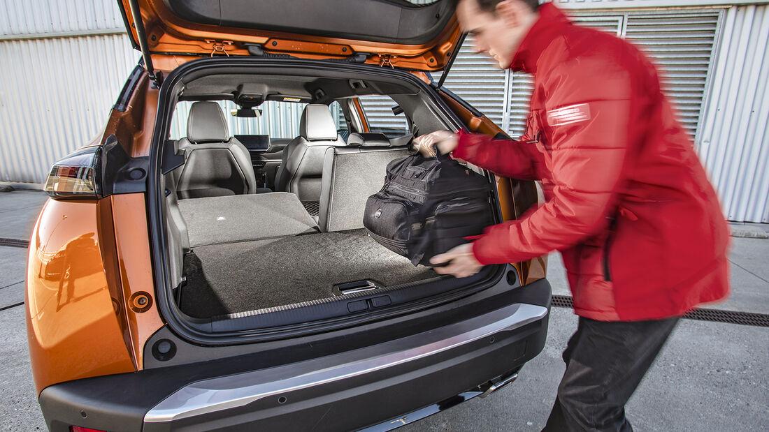 Peugeot 2008, Interieur