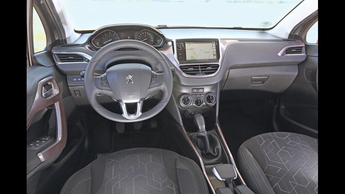 Peugeot 2008 e-HDi 92, Cockpit
