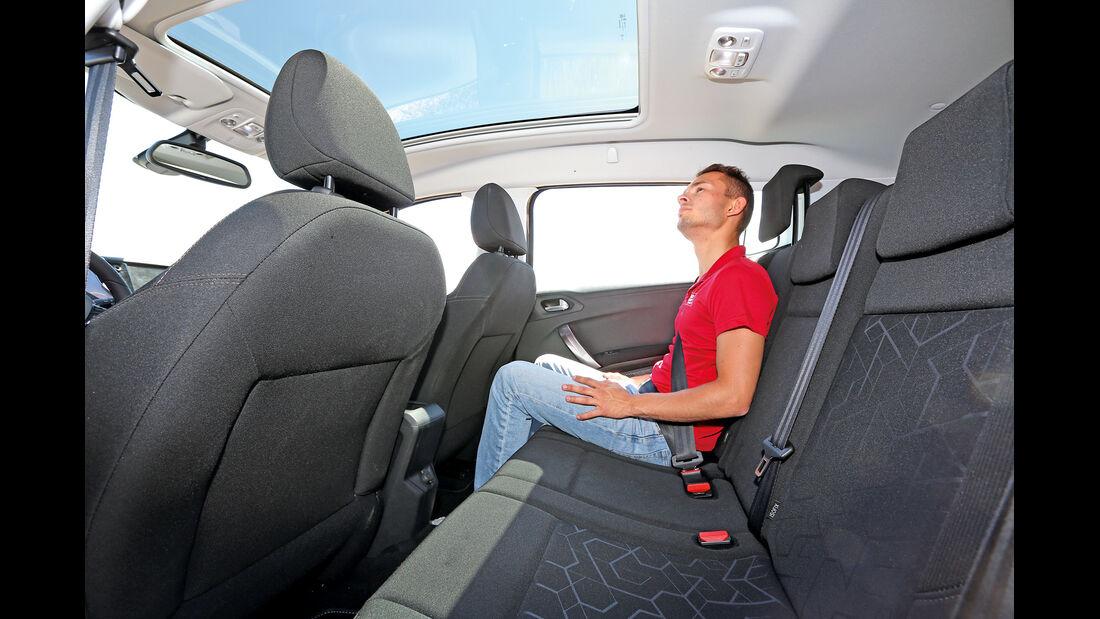 Peugeot 2008 e-HDi 92, Fondsitz, Beinfreiheit