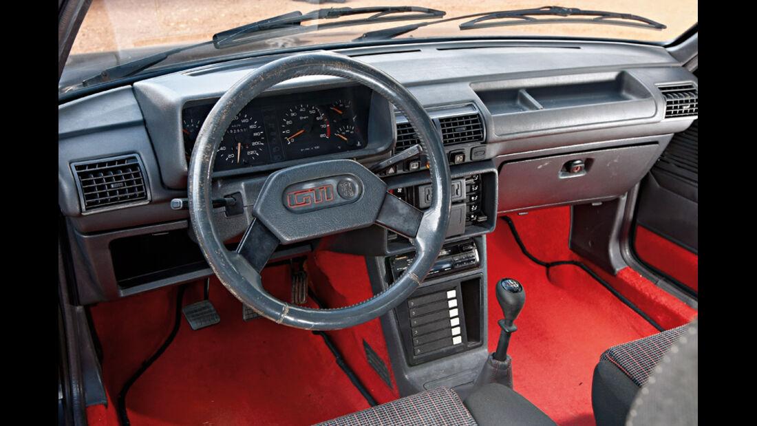 Peugeot 205 GTI, Cockpit