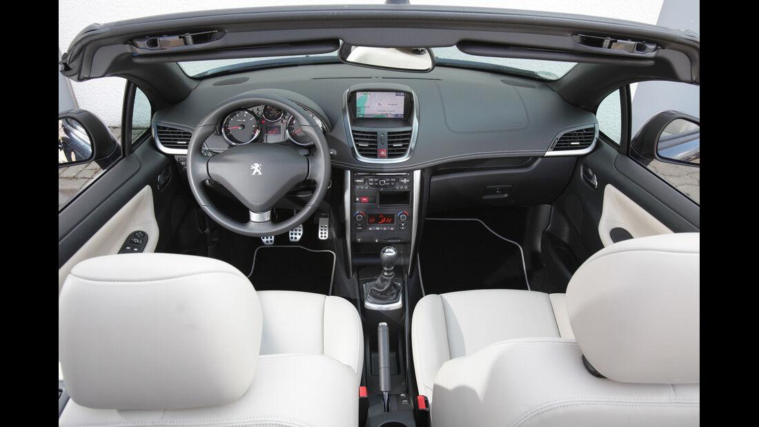 Peugeot 207 CC 155 THP, Cockpit, Innnenraum