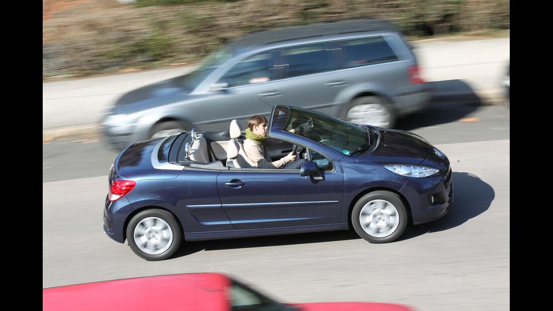 Peugeot 207 CC 155 THP, offen, Cabrio, von oben