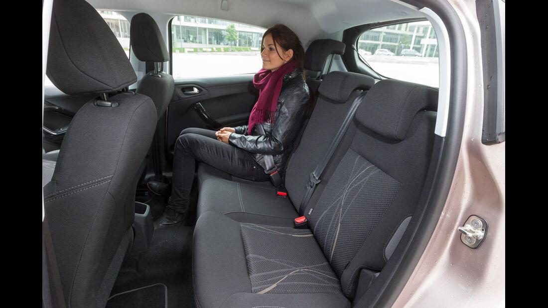 Peugeot 208 82 Vti, Rücksitz, Beinfreiheit