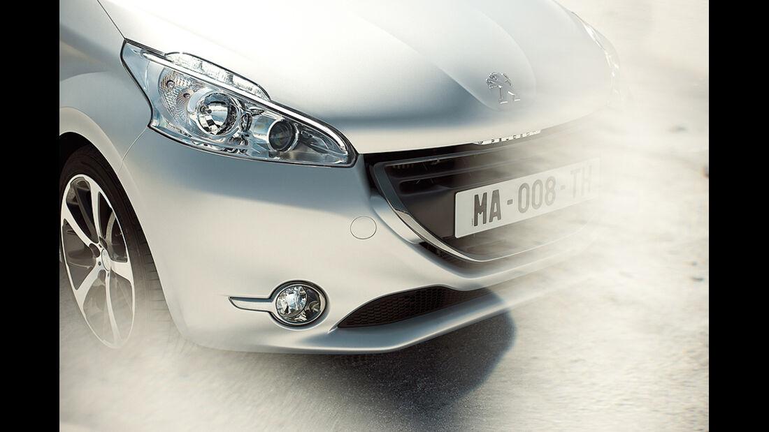 Peugeot 208, Front