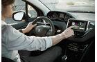 Peugeot 208 Front, Cockpit