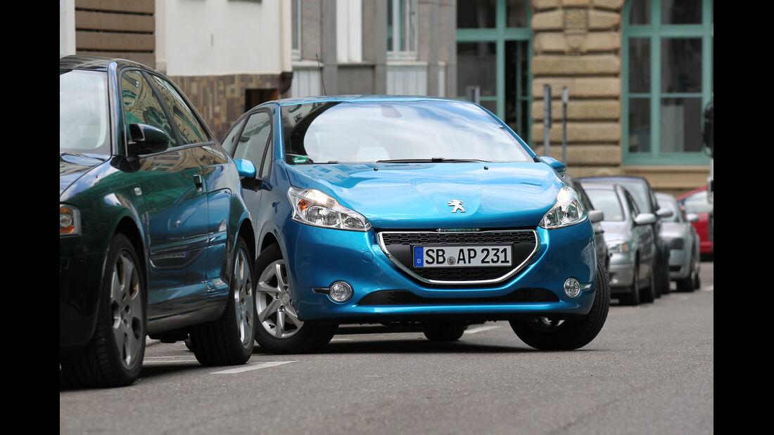 Peugeot 208, Frontansicht, Einparken