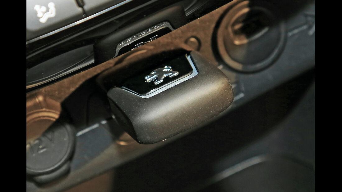 Peugeot 208, Infotainment