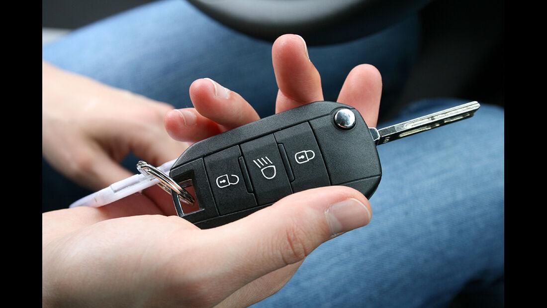 Peugeot 208, Innenraum-Check, Zündschlüssel