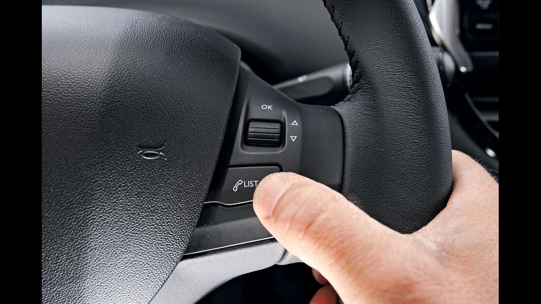 Peugeot 208 e-Hdi 115, Lenkrad, Radiobedienung