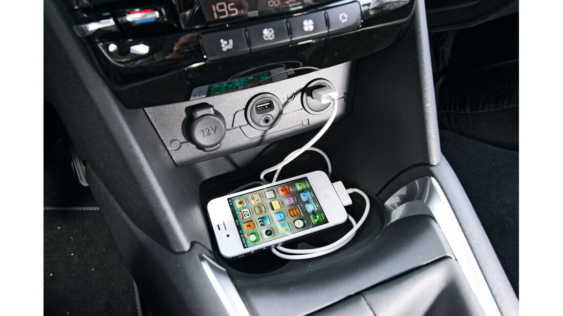 Peugeot 208 e-Hdi 115, Mittelkonsole, Doppel-USB