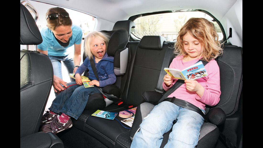 Peugeot 208 e-Hdi 115, Rückbank, Kinder