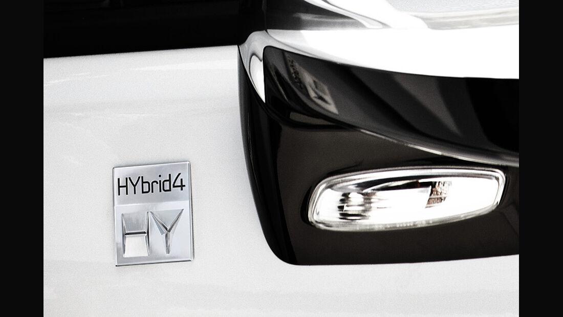 Peugeot 3008 Hybrid4 Logo