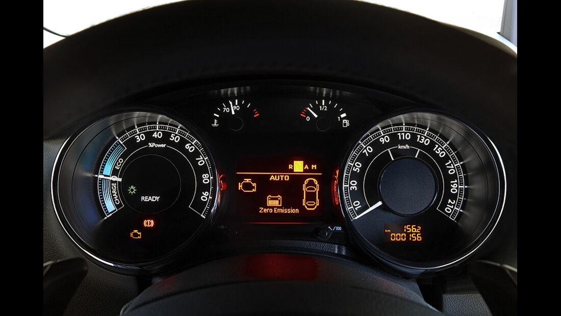 Peugeot 3008 Hybrid4 Tacho Armaturen