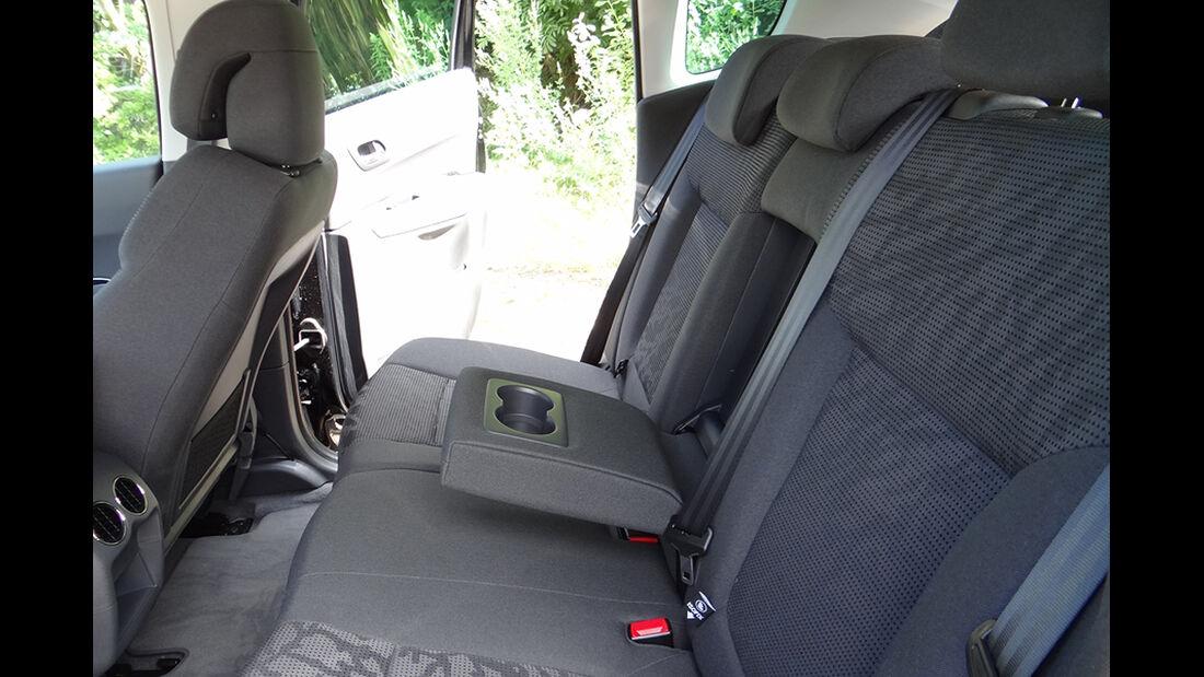 Peugeot 3008, Innenraum-Check, Armlehne