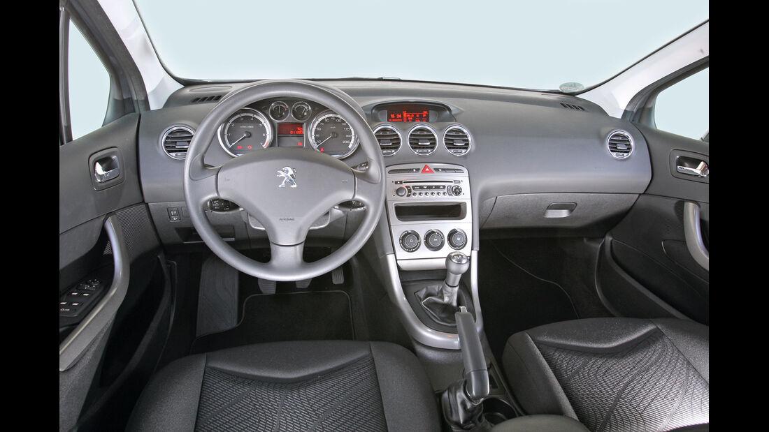 Peugeot 308 98 VTi Access, Cockpit, Lenkrad