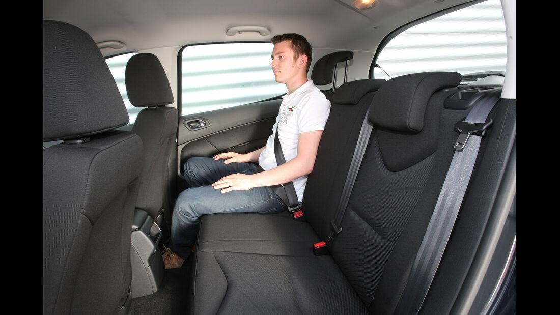 Peugeot 308 98 VTi Access, Rücksitz, Beinfreiheit