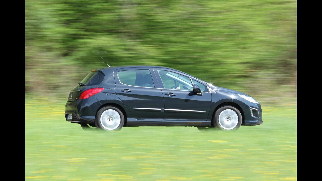 Peugeot 308 98 VTi Access, Seitenansicht