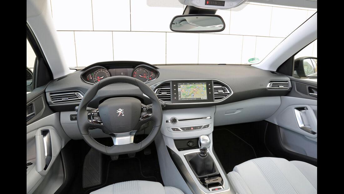 Peugeot 308 Blue HDi 120, Cockpit