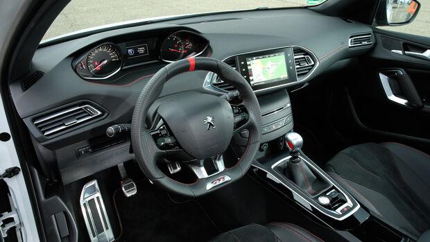 Peugeot 308 GTi, Cockpit