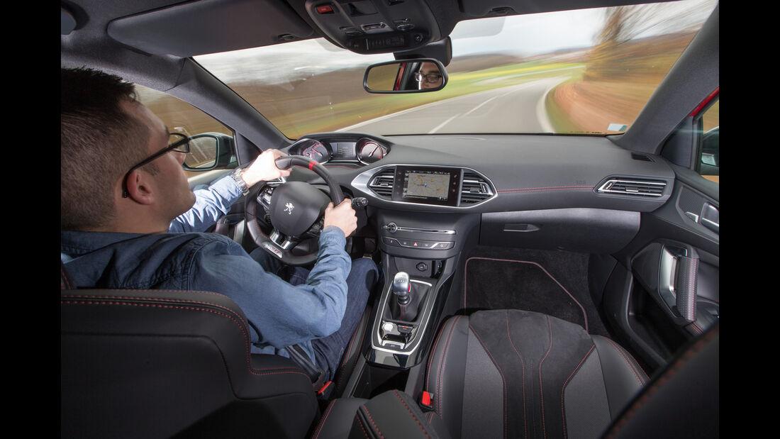 Peugeot 308 GTi THP 270, Cockpit, Fahrersicht
