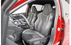 Peugeot 308 GTi THP 270, Fahrersitz