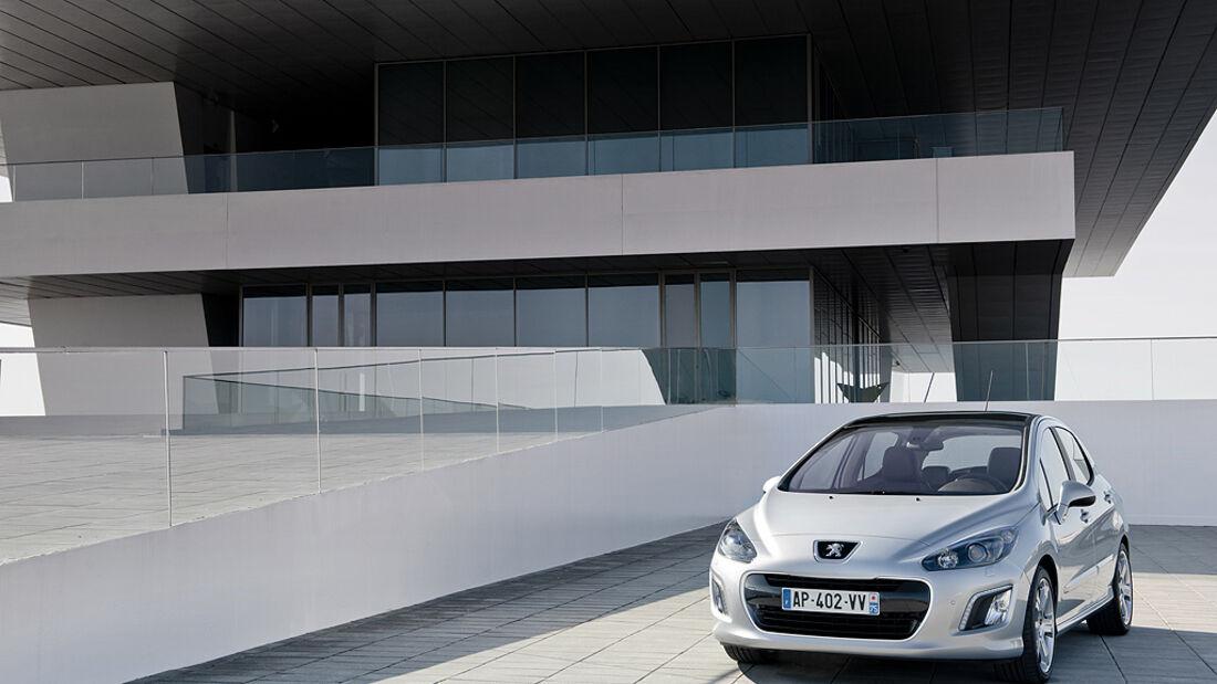 Peugeot 308, Limousine