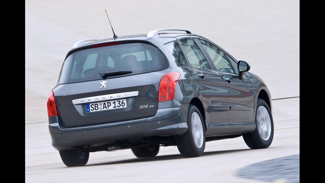 Peugeot 308 SW 120 Vti, Heckansicht