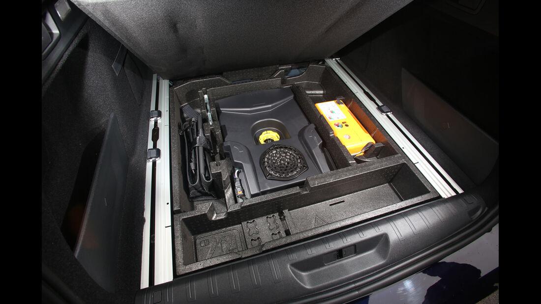 Peugeot 308 SW 130 e-THP 130, Ersatzteile, Stauraum