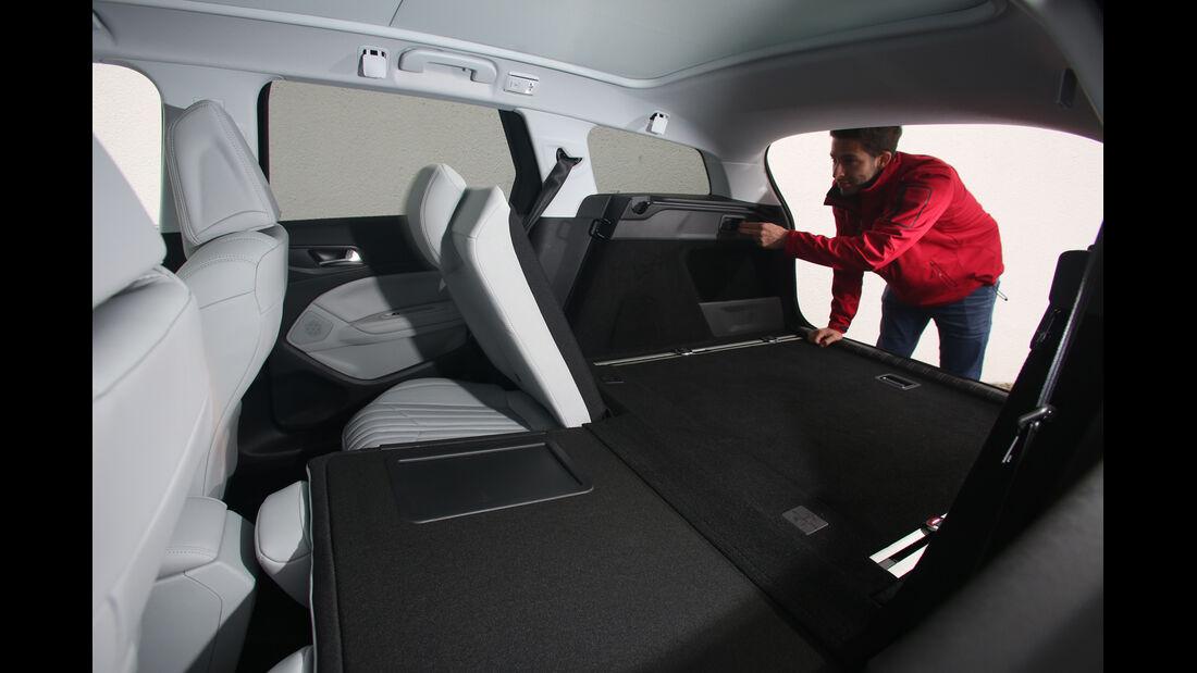 Peugeot 308 SW 130 e-THP 130, Rücksitz, Umklappen
