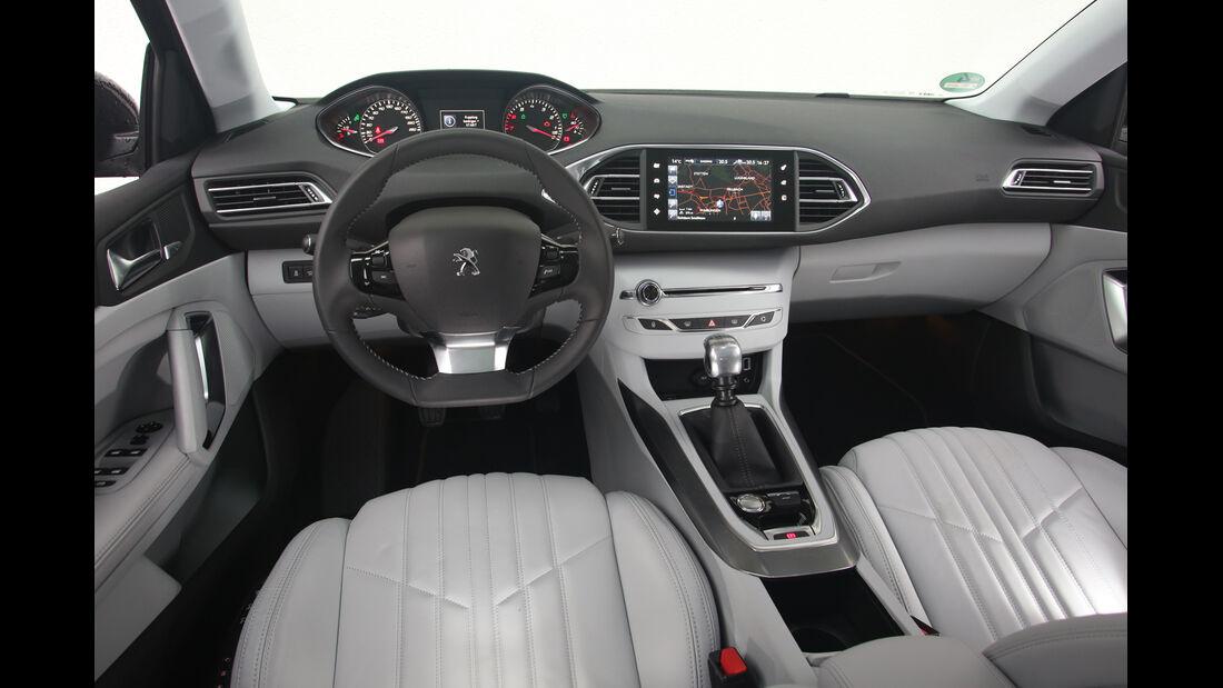 Peugeot 308 SW 130 e-THP, Cockpit