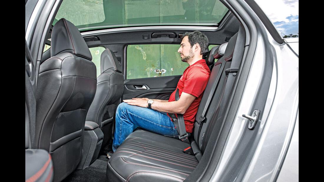 Peugeot 308 SW GT HDi 180, Fondsitze