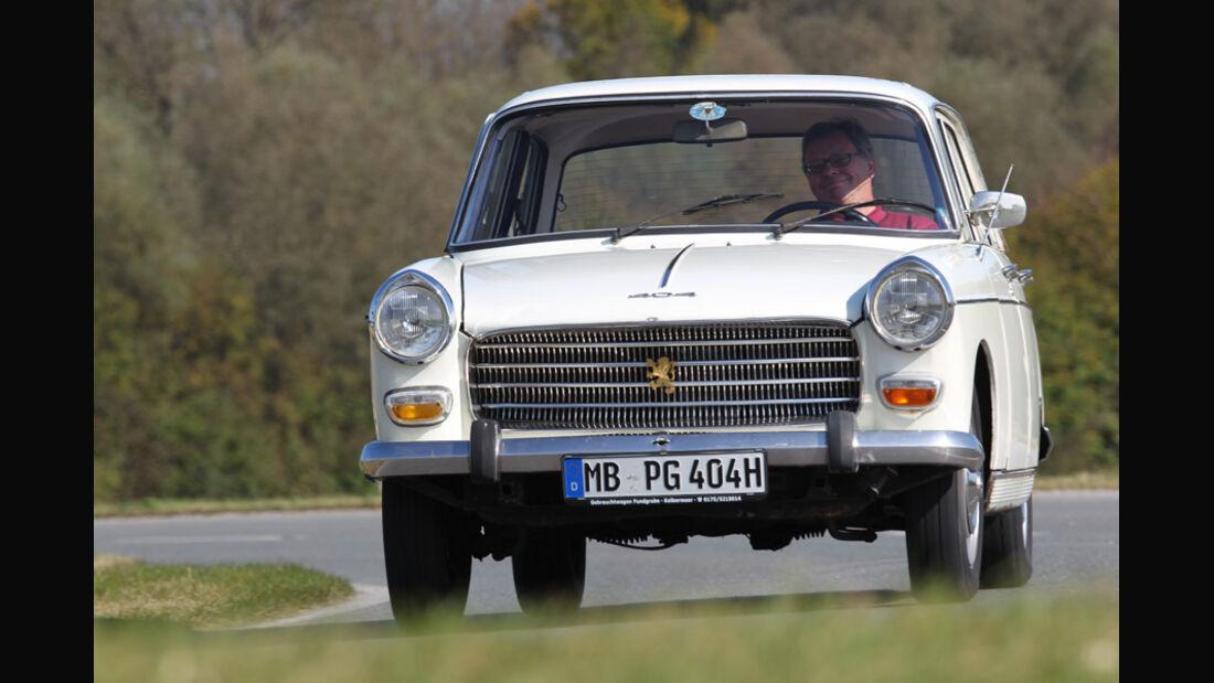 Peugeot 404, Front