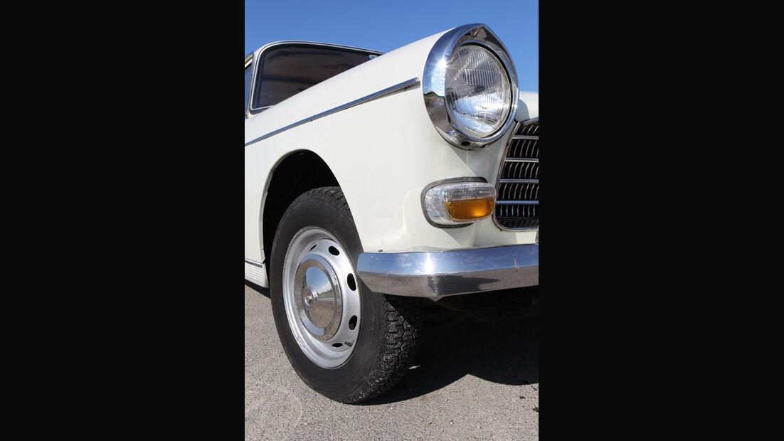 Peugeot 404, Frontscheinwerfer