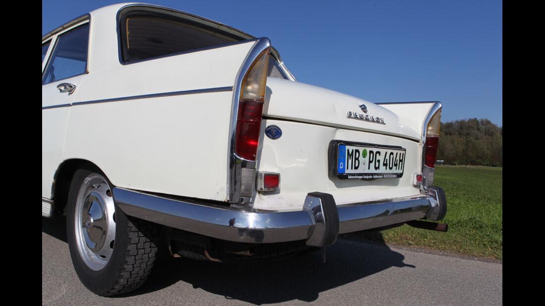 Peugeot 404, Heck