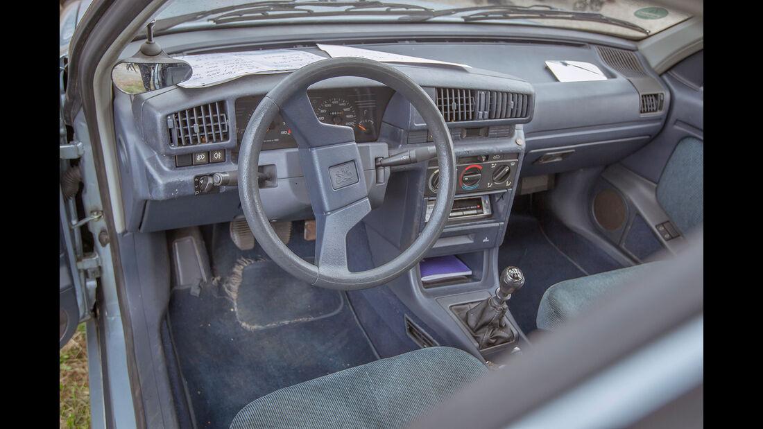 Peugeot-405-SRI-Interieur