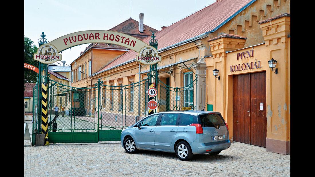 Peugeot 5008 155 THP, Seitenansicht, Brauerei Hostan