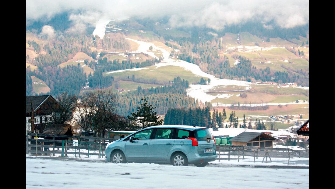 Peugeot 5008 155 THP, Seitenansicht, Primacy-Alpin-Winterreifen