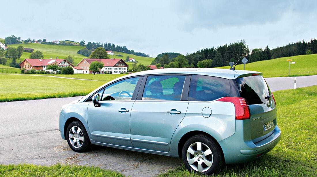 Peugeot 5008 155 THP, Testende, Dorf