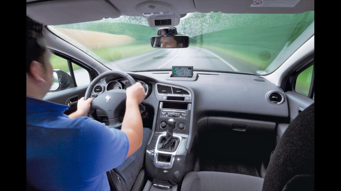 Peugeot 5008, Innenraum, Cockpit