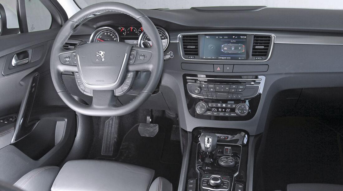 Peugeot 508 RXH, Lenkrad, Cockpit