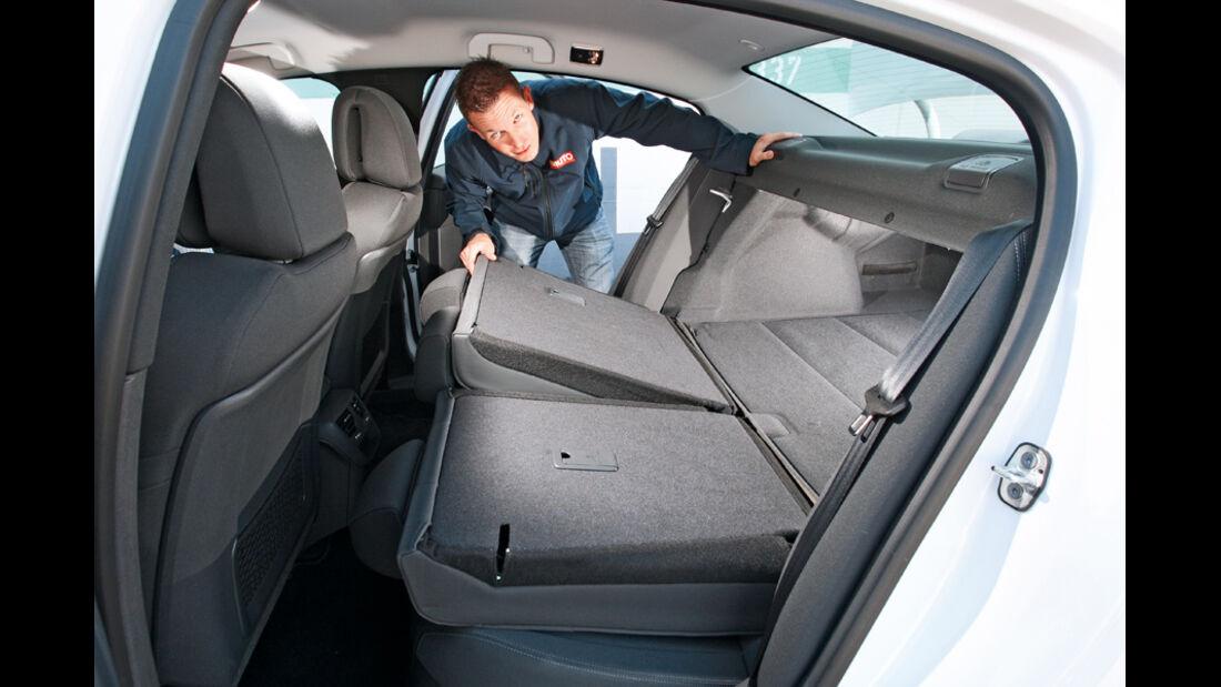 Peugeot 508, Rückbank, umklappen